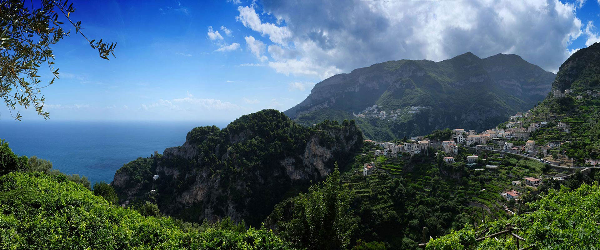 A panoramic view of Pontone from Ravello